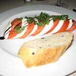 mozarella and tomato salad