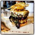 Doble hamburguesa de pollo con queso de cabra!!!! Deliciosa!
