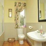 Bathroom for Garden Bedroom