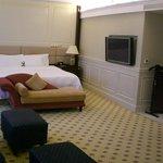 Guestroom - bed area