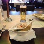 オニオンクリームスープ クルトン乗せのお皿が素敵です