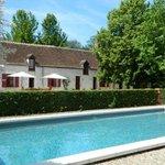 La piscine et la maison