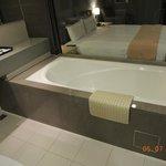 Chic Section - Business Single Room-Bathtub