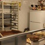 Dimostrazione della preparazione di cioccolatini