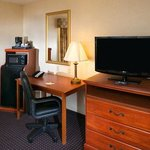 "Standard Amenities - 32"" TV, Microwave and Refrigerator, Free Internet"