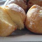 Deliciosos buñuelos de la pasteleria Soles de Gredos.