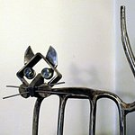 Scultura di Giudici - gatto fatto con una forca