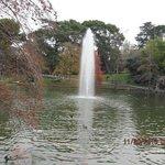 Lago em frente ao palácio