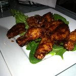 AWESOME chickeng wings!!