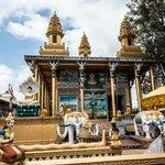 Wat Yaht