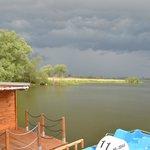 Озеро возле отеля