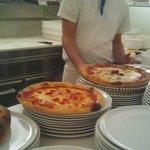 Le famose pizze stile napoletano... hmmm