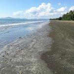 Blick entlang des Strandes