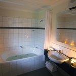 Superior Spa Bath bathroom