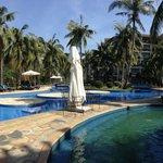 Swimming pool area: quiet.