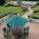 Patio & swimming pool (85336883)