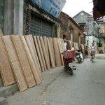 Tho Ha Village: drying rice paper