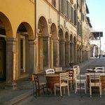i tavoli fuori dal corso.. in pieno centro storico