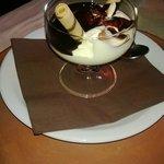 Dessert: crema chantilly al cioccolato.