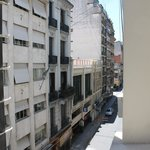 вид из окна на улицу Ривадавия