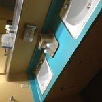 Ye olde retro bathroom