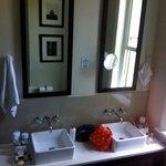 bathroom of gold room