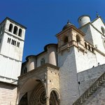 Assisi, Basilica di San Francesco, veduta dal basso