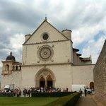 Assisi, Basilica di San Francesco, facciata