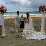The beach ceremony - 4 mile beach