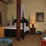 Petite Suite in Ansonborough Inn