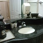 Separate sink with extra amenities