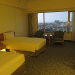 the room, a little small in Taiwan's five-star twin standards