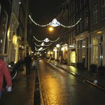 Herenstraat at night