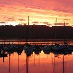 Knysna mit Sonnenuntergang am Hafen