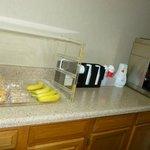 Serve continantal breakfast