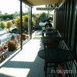 The awesum outdoor dining patio, at the breakfast restaurant.....