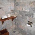 シャワールーム お湯の出もOK!