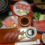 飛騨牛肉中心の夕食