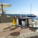 Вино и вид на море
