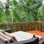 1 Level Suite Balcony