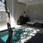 Lounge + Pool