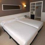 Twin Room Hotel Parallel Barcelona