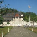 Le Dalada Maligawa, le temple avec la relique de la Dent de Bouddha