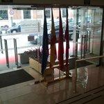 entrada del hotel desde el interior