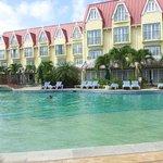vue piscine + façade