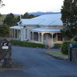 Waipoua Lodge from the entrance drive