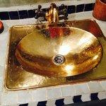 真鍮の洗面台