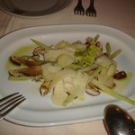 Antipasto con funghi porcini, Parmigiano e sedano