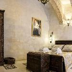 450 Year old arched space with private patio & bathroom