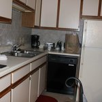 Roark Vacation Resort - Kitchen